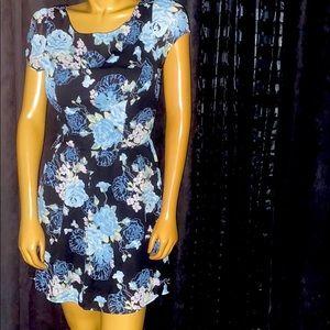 ‼️3/45.00 Beautiful Floral Dress
